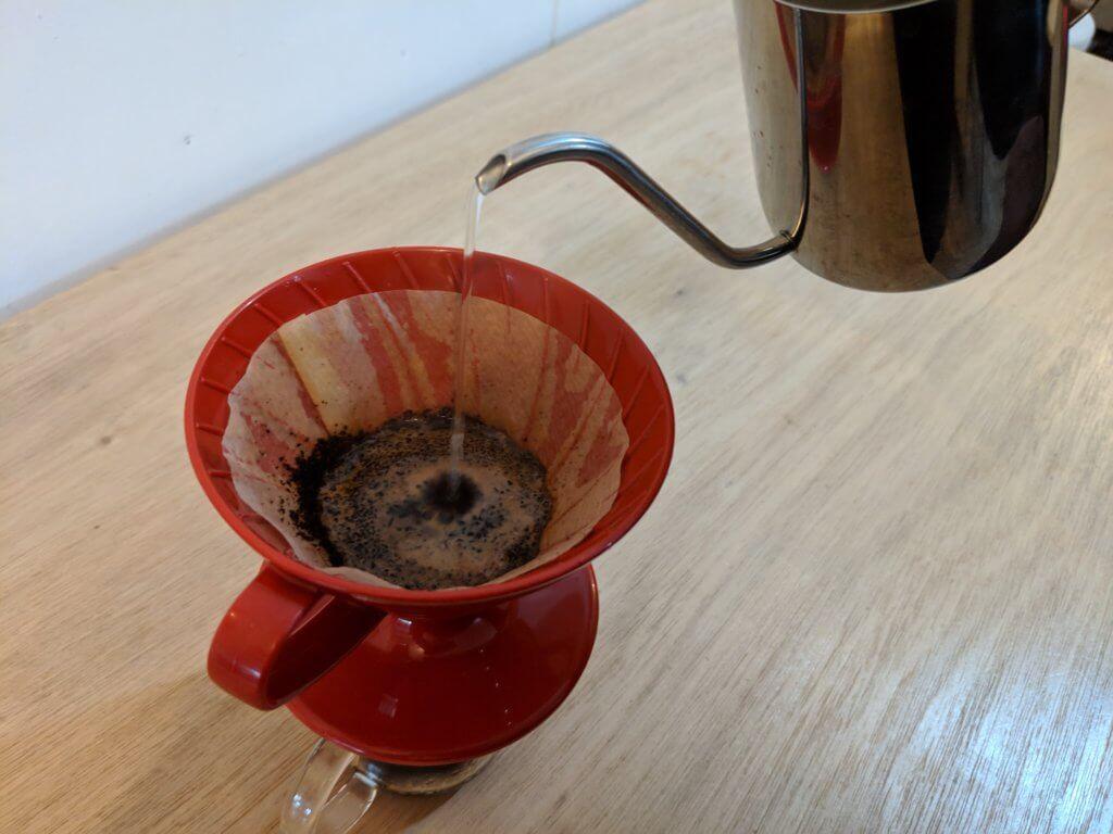 イノセントコーヒーのコロンビア豆デカフェを抽出